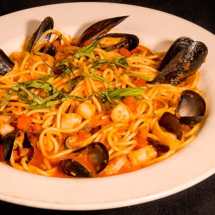 Spaghetti Allo Scoglio- Nonna Rosas Italian Restaurant